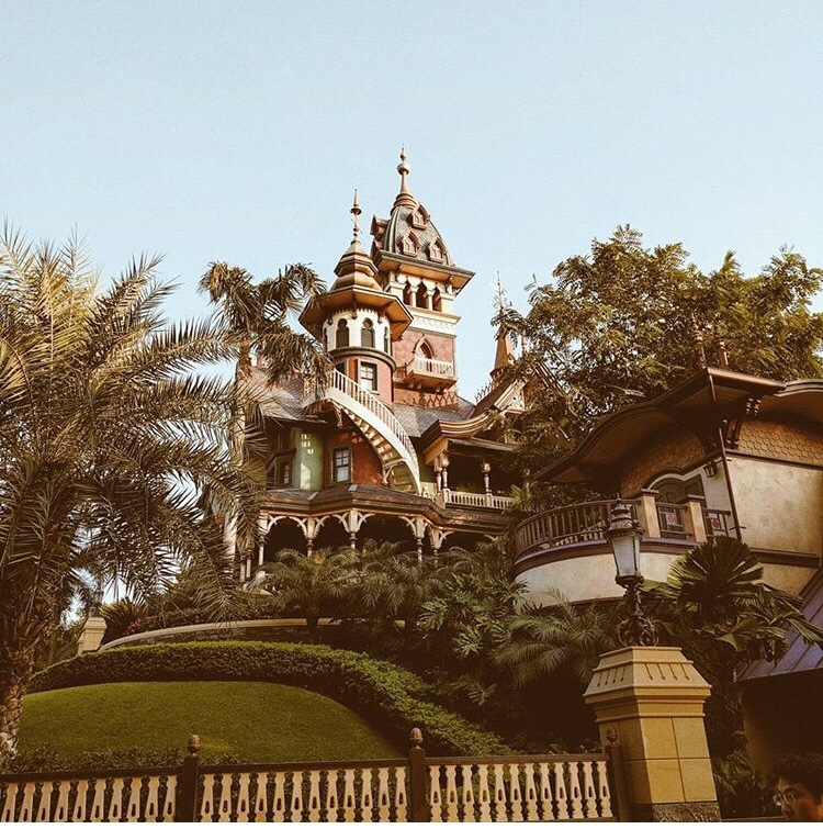 Mystic Manor Disneyland Hong Kong
